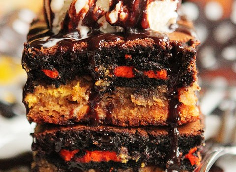 Ultimate-Halloween-Peanut-Butter-Cookie-Oreo-Brownie-Bar-12