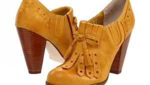 mustardshoes-300x225