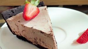 strawberry-chocolate-cake-540x357